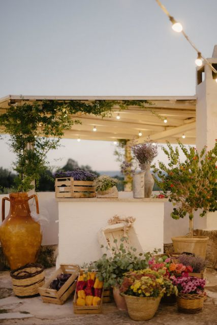 street market decor for wedding in Apulian farm
