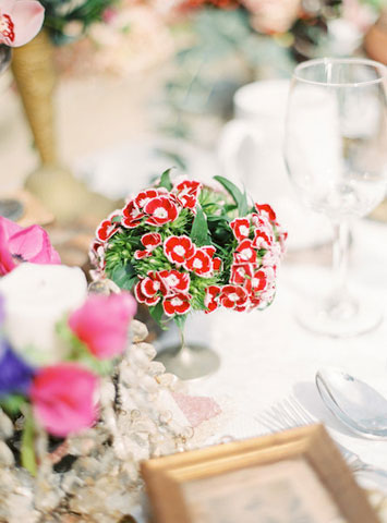 vintage details for centerpiece