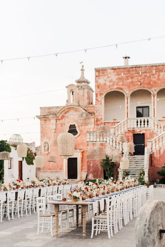 Colorful tablescape for a rustic wedding in the ancient Masseria Spina