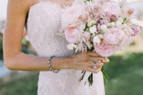 soft pink bouquet for the bride with david austin roses and little flowers
