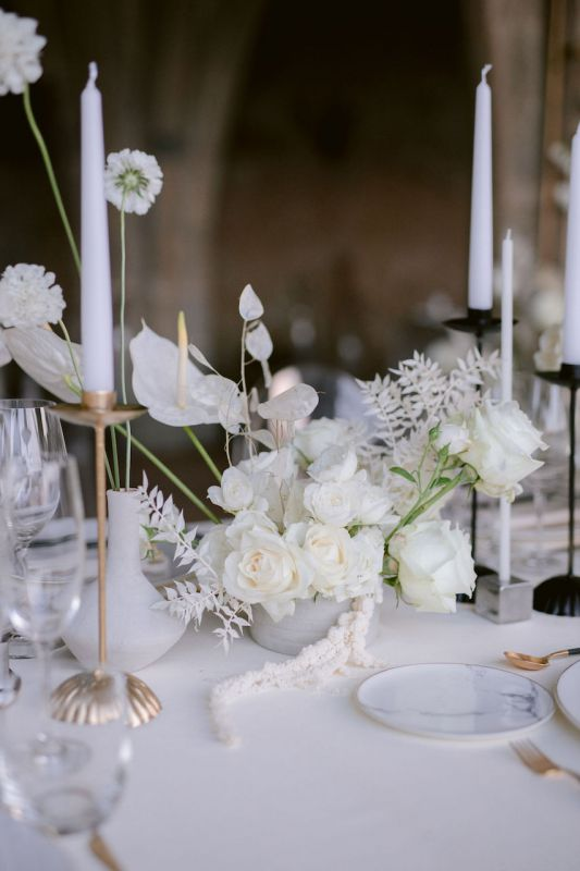Italian floral designer for modern wedding in Amalfi Coast