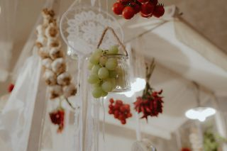 chili peppers, grapes, garlic for rustic wedding decor