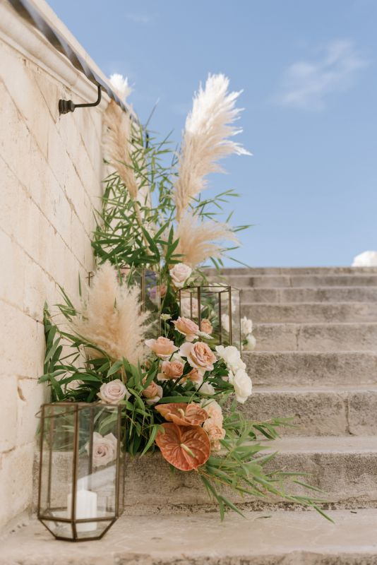 Floral arrangement for wedding in Trani