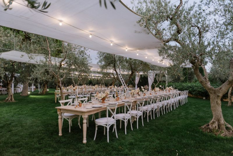 Florist for wedding at Castel del Monte, Puglia
