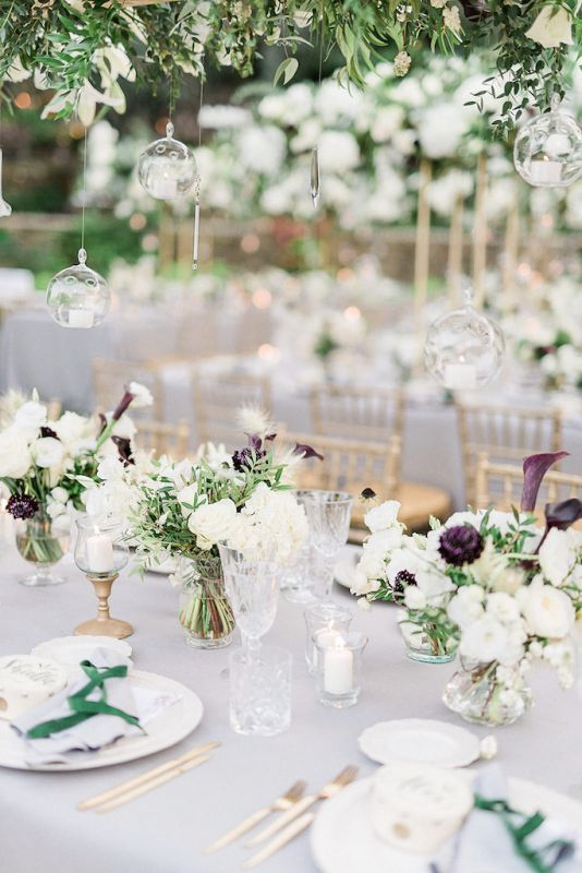 Floral centerpiece for a luxury wedding in Italy