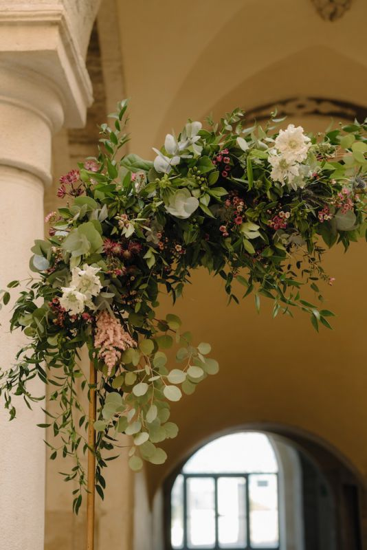 Floral arch for wedding ceremony in Barletta