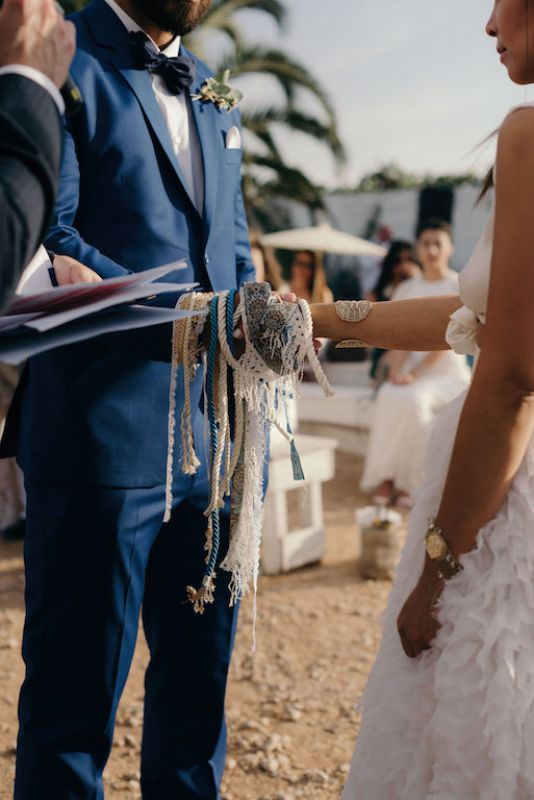 Laces for ceremony