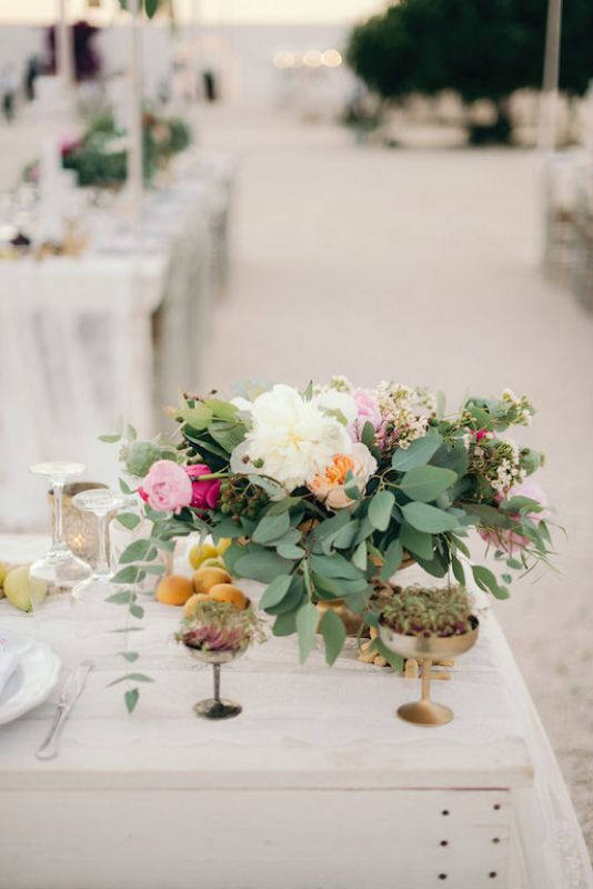 Flower arrangements for bohemian wedding