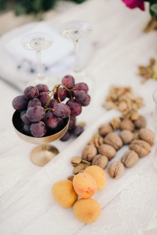 Fresh and dried fruit for a mediterranean centerpiece