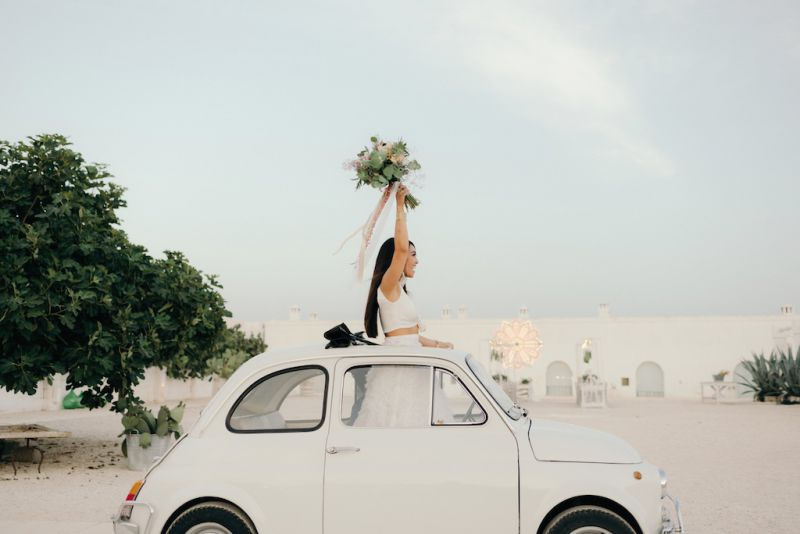Vintage Fiat 500 car for the bride and the groom in Masseria Potenti