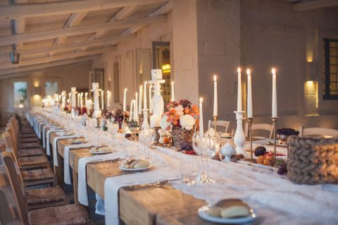 rustic table setting for wedding