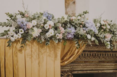 wedding flowers for the altar
